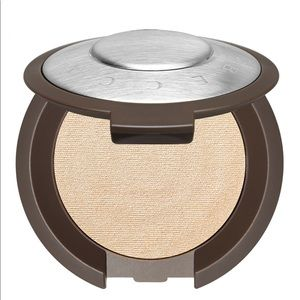 Other - Becca shimmering skin perfector powder(Moonstone)